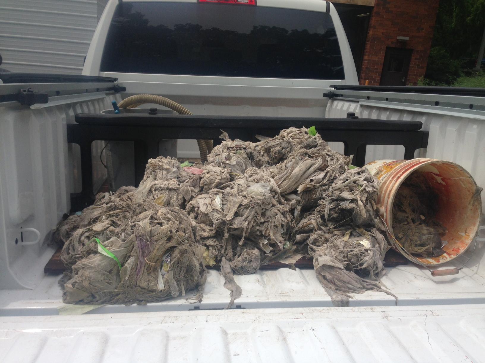 Pickup-full of rags